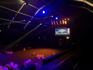 Aperitivo con dj set fornitura service audio video e luci per evento